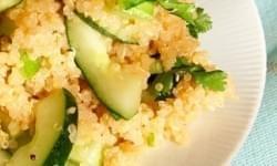 Ensalada de quinoa y pepino con perejil