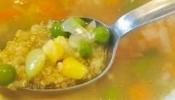 Sopa de quinoa al maiz