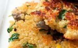 Hamburguesa de quinoa con col rizada